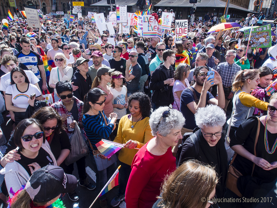 30,000 packed in like Sardines at the Sydney Rally